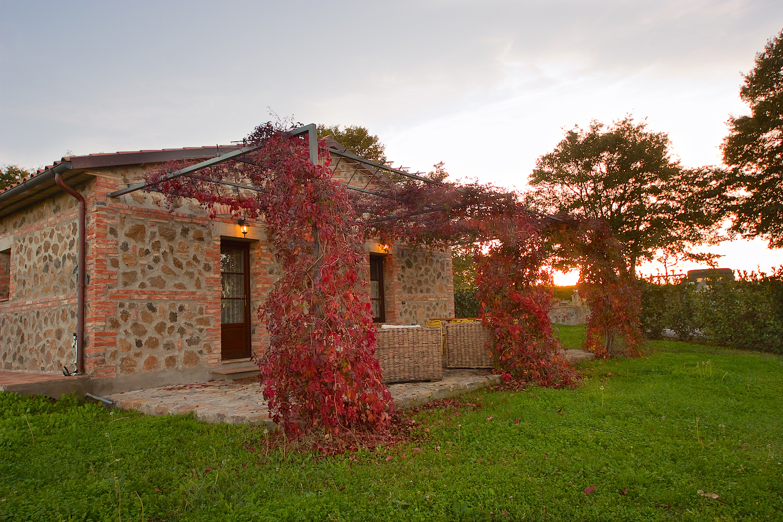 villa_il_giardino_dei_tesori_porch.jpg