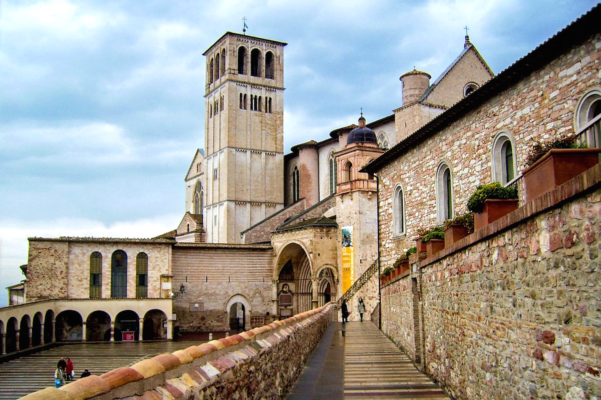 assisi-italy-surroundings.jpg