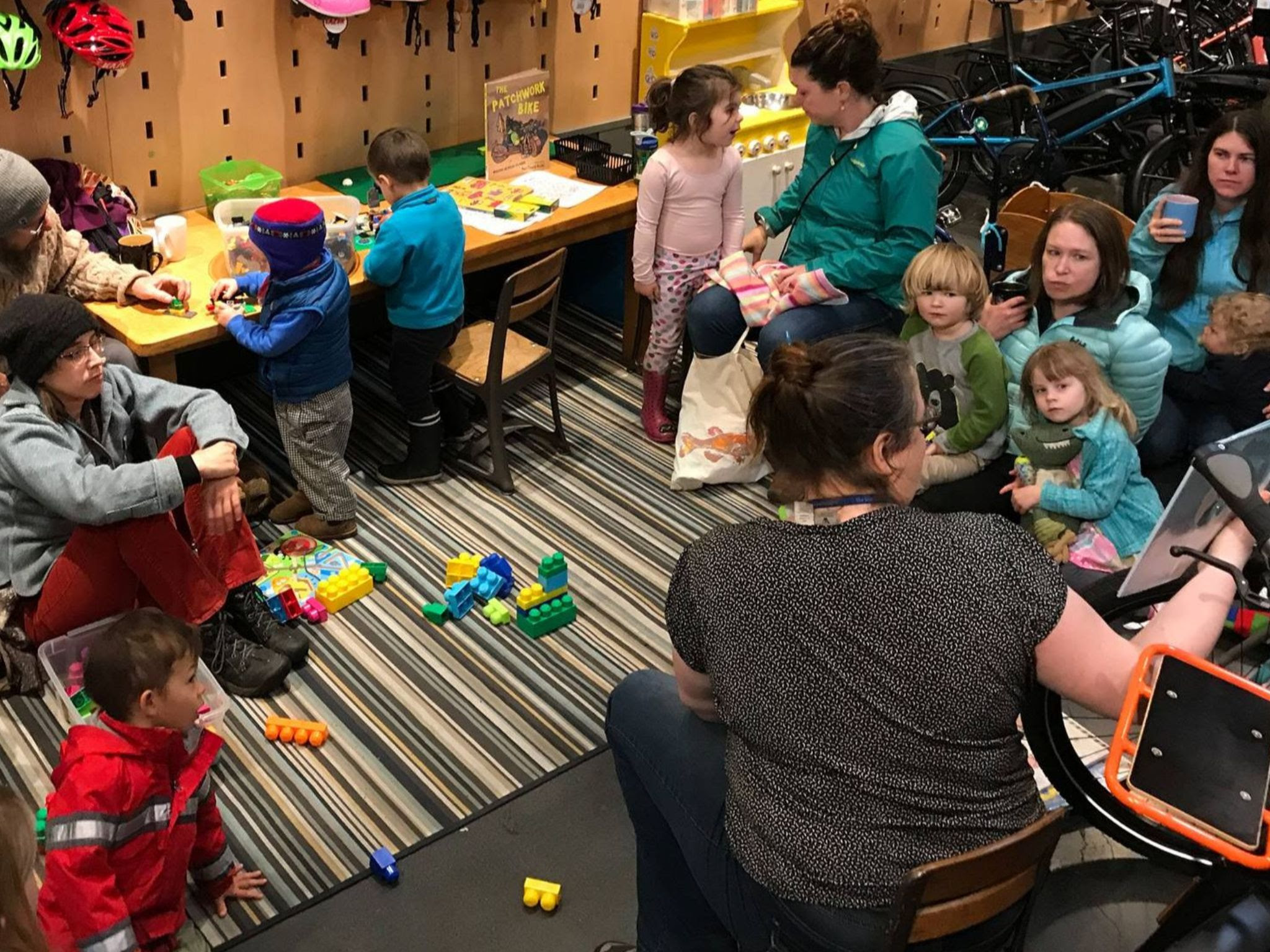 childrens-story-hour-in-seattle.jpg
