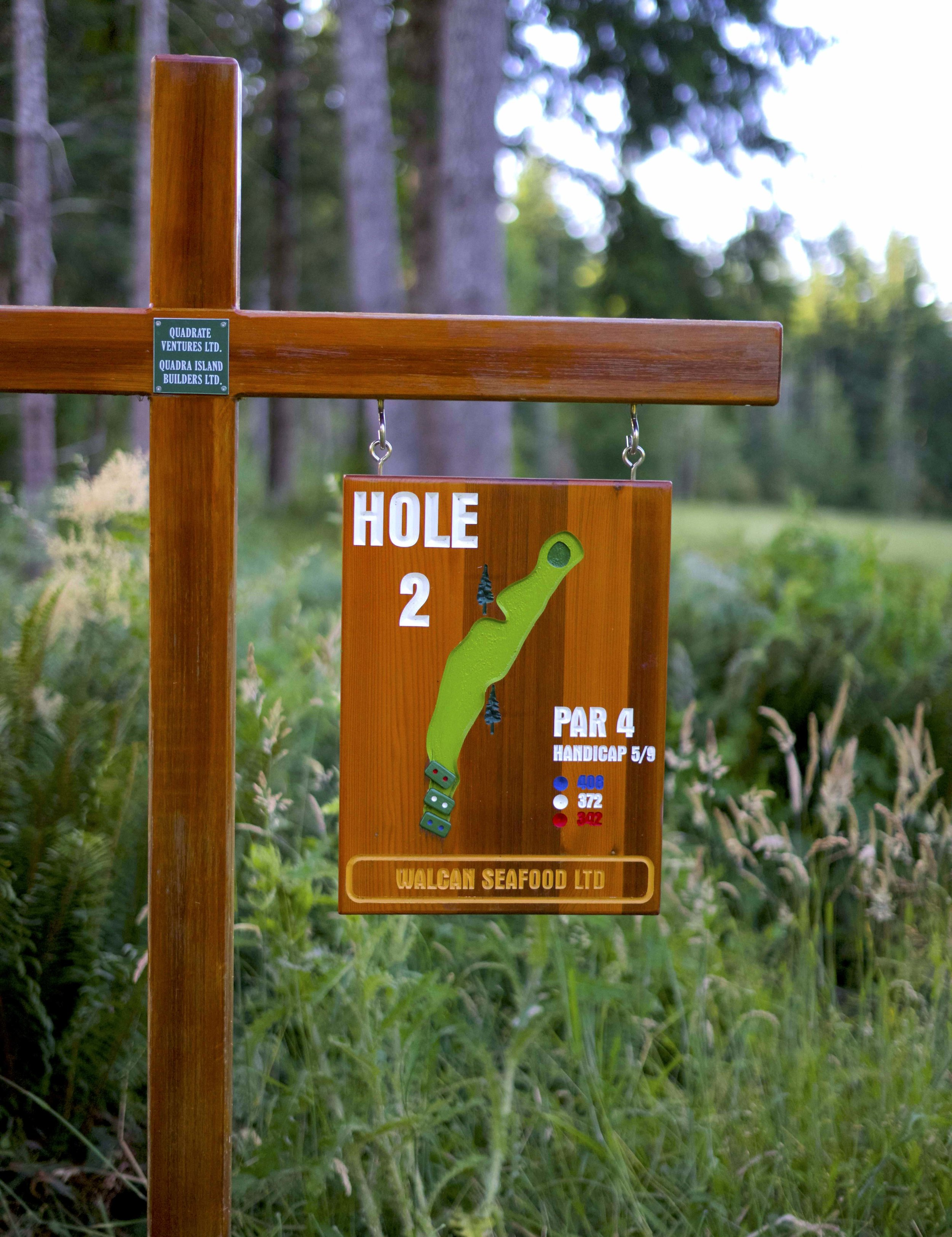 QuadraGolf_Hole2_sign_DSC00367.jpg