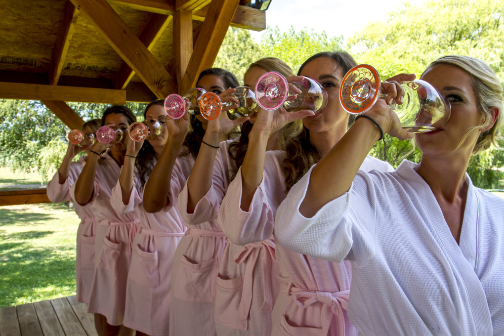 pro-wed-bridesmaids-wine.jpg