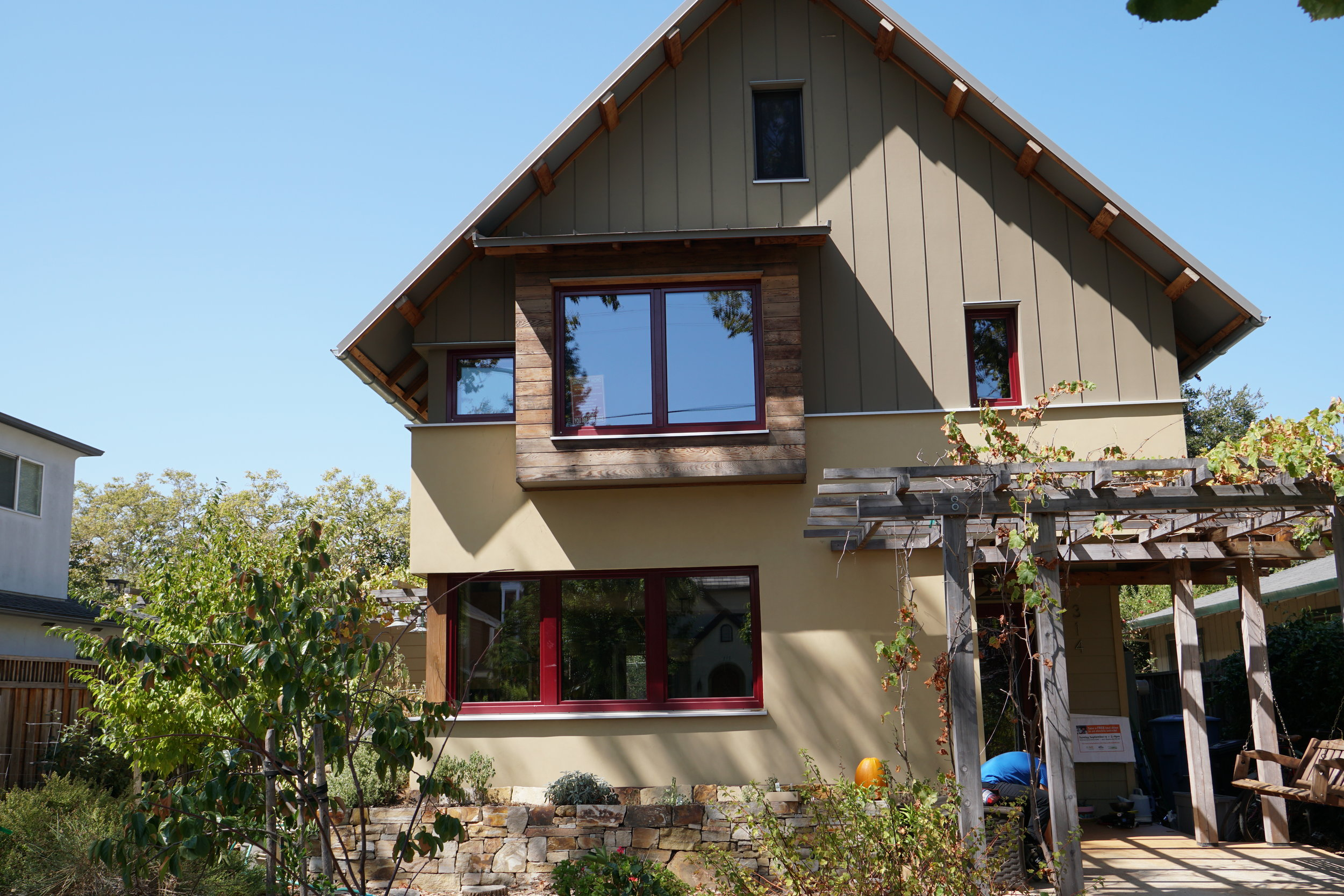 This LEED platinum, net zero energy, passive house uses approximately 80% less energy and water than conventional American homes, savings on bills and impact on the planet. More detail on the Palo Alto home on the   Project Green Home   website.