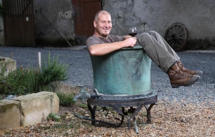 Laurent IN bucket.jpg