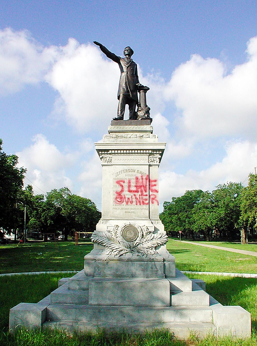 Jefferson Davis statue in New Orleans, photo via  Gambit Weekly