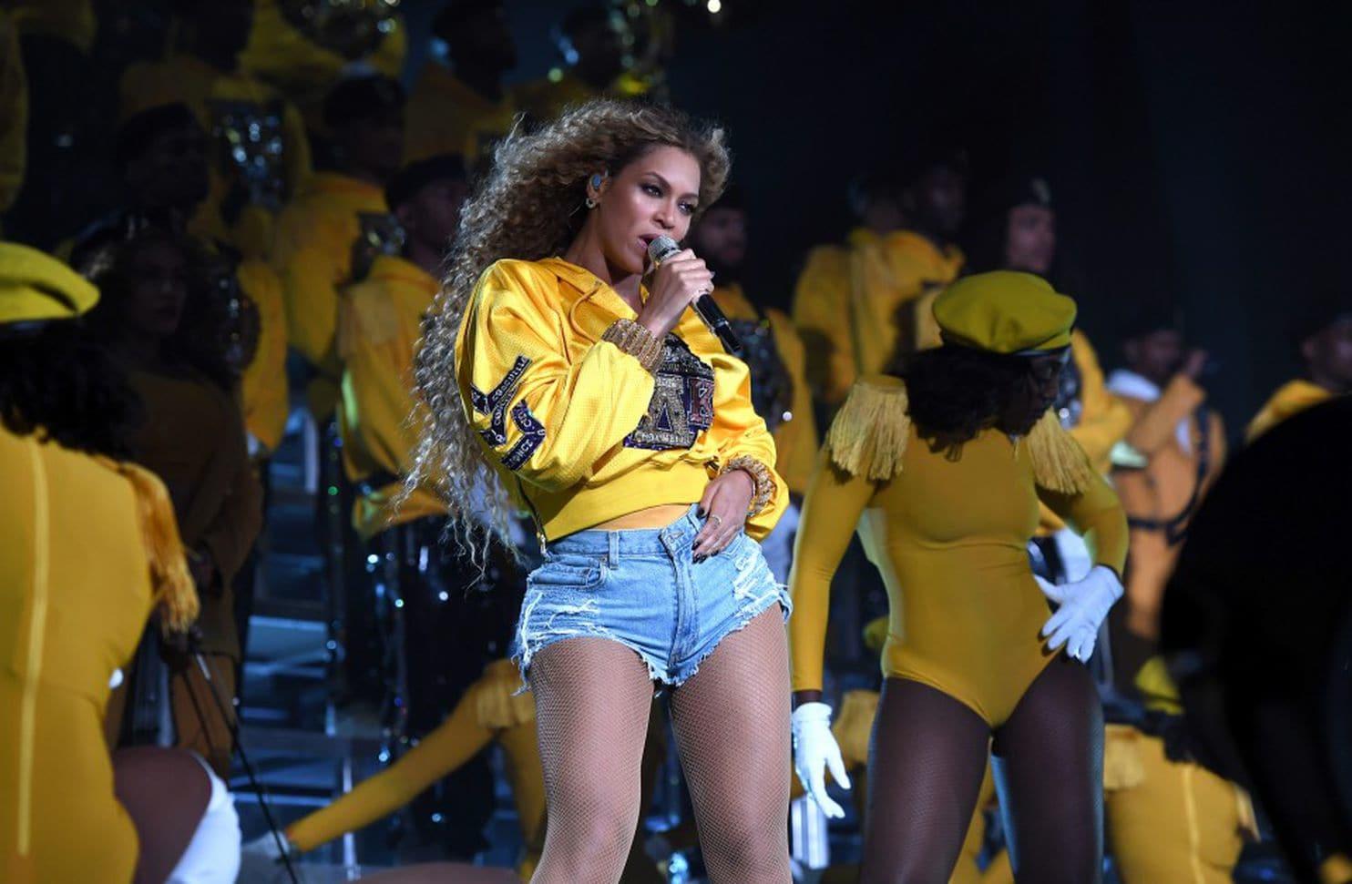 Beyoncé performing at Coachella, photo via  Getty Images