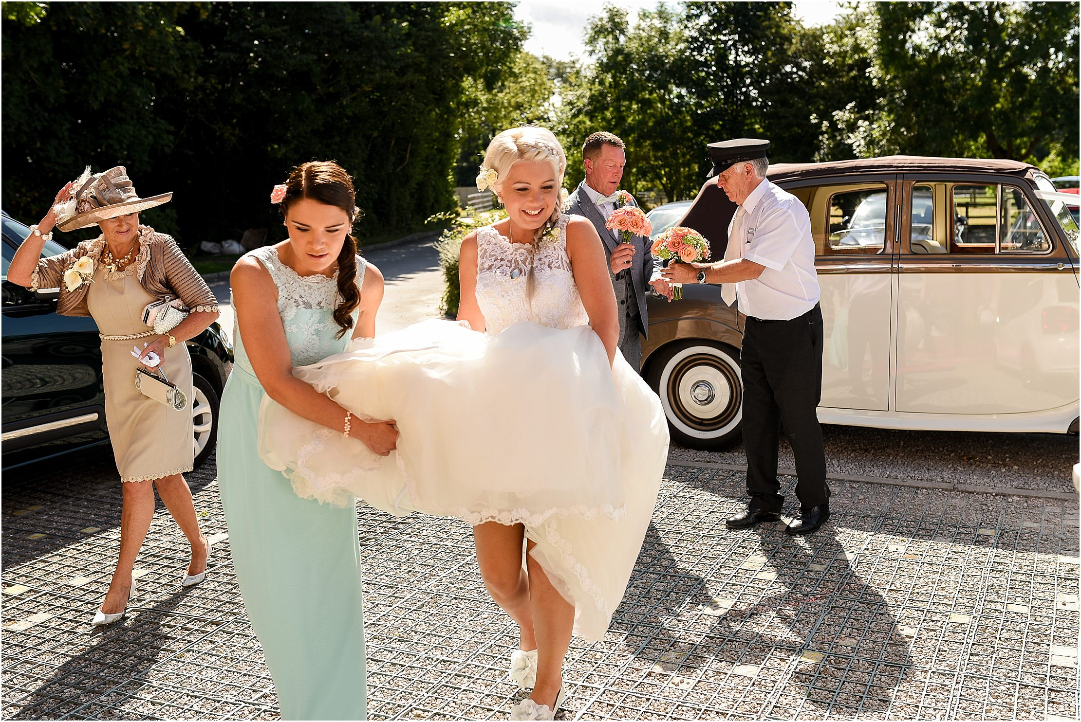 the-villa-wrea-green-summer-wedding-29.jpg