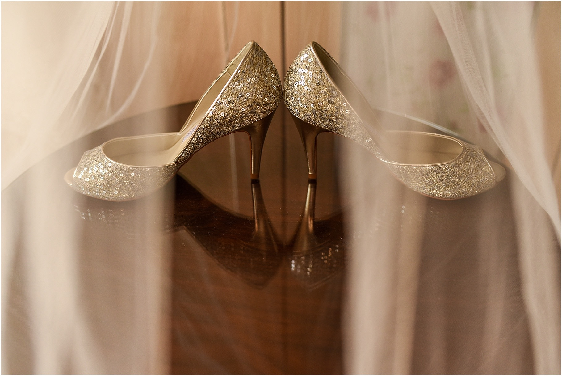 bartle-hall-wedding-photography-017.jpg