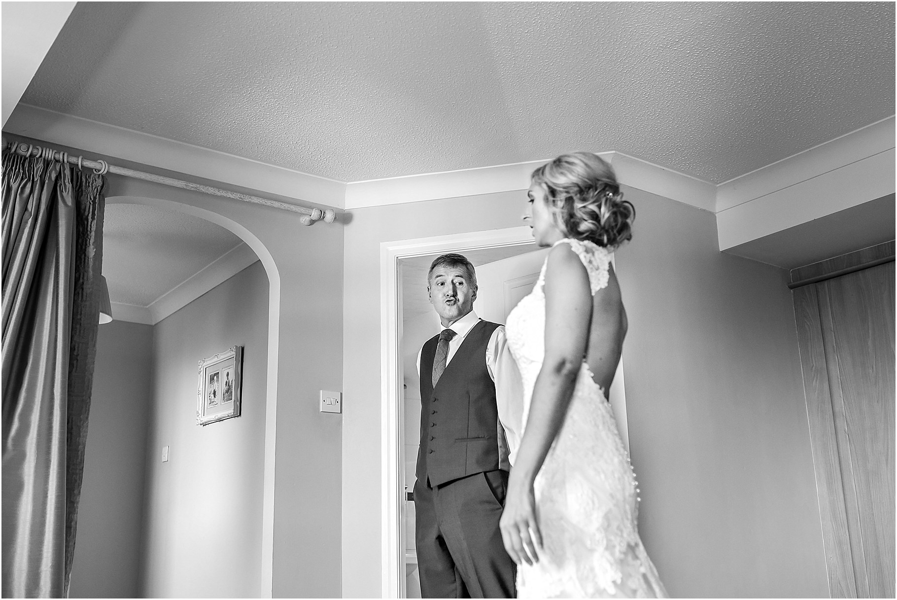 bartle-hall-wedding-photography-024.jpg