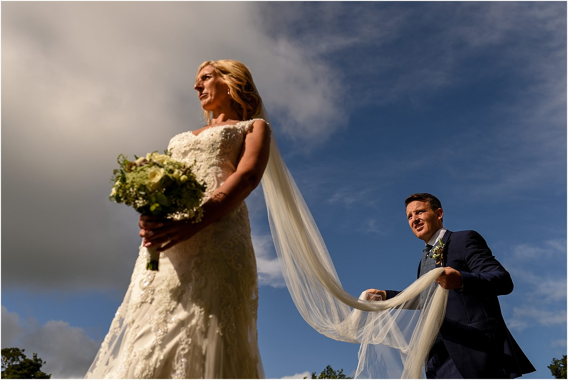 bartle-hall-wedding-photography-044.jpg