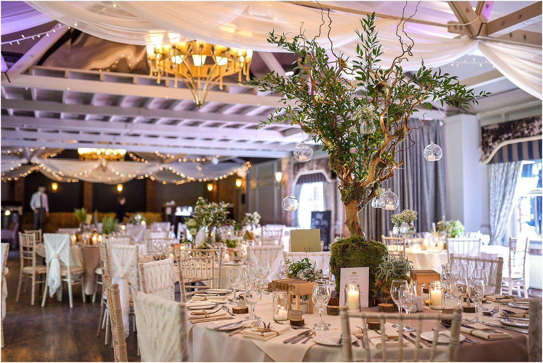 bartle-hall-wedding-photography-068.jpg