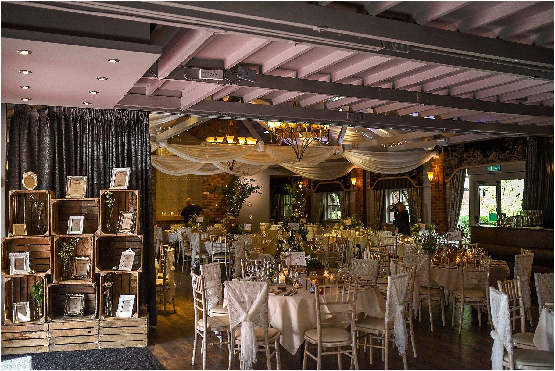 bartle-hall-wedding-photography-067.jpg