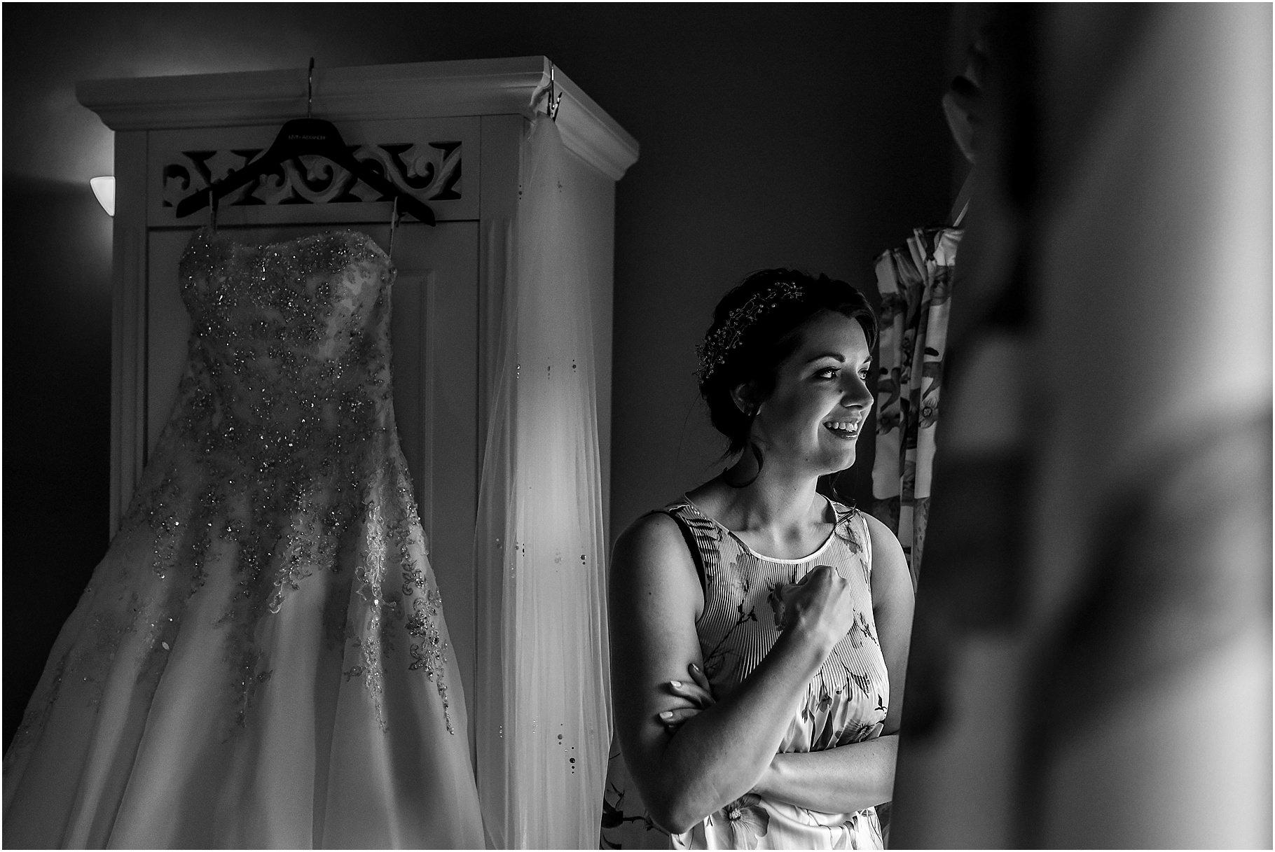 browsholme-hall-wedding-photography-020.jpg