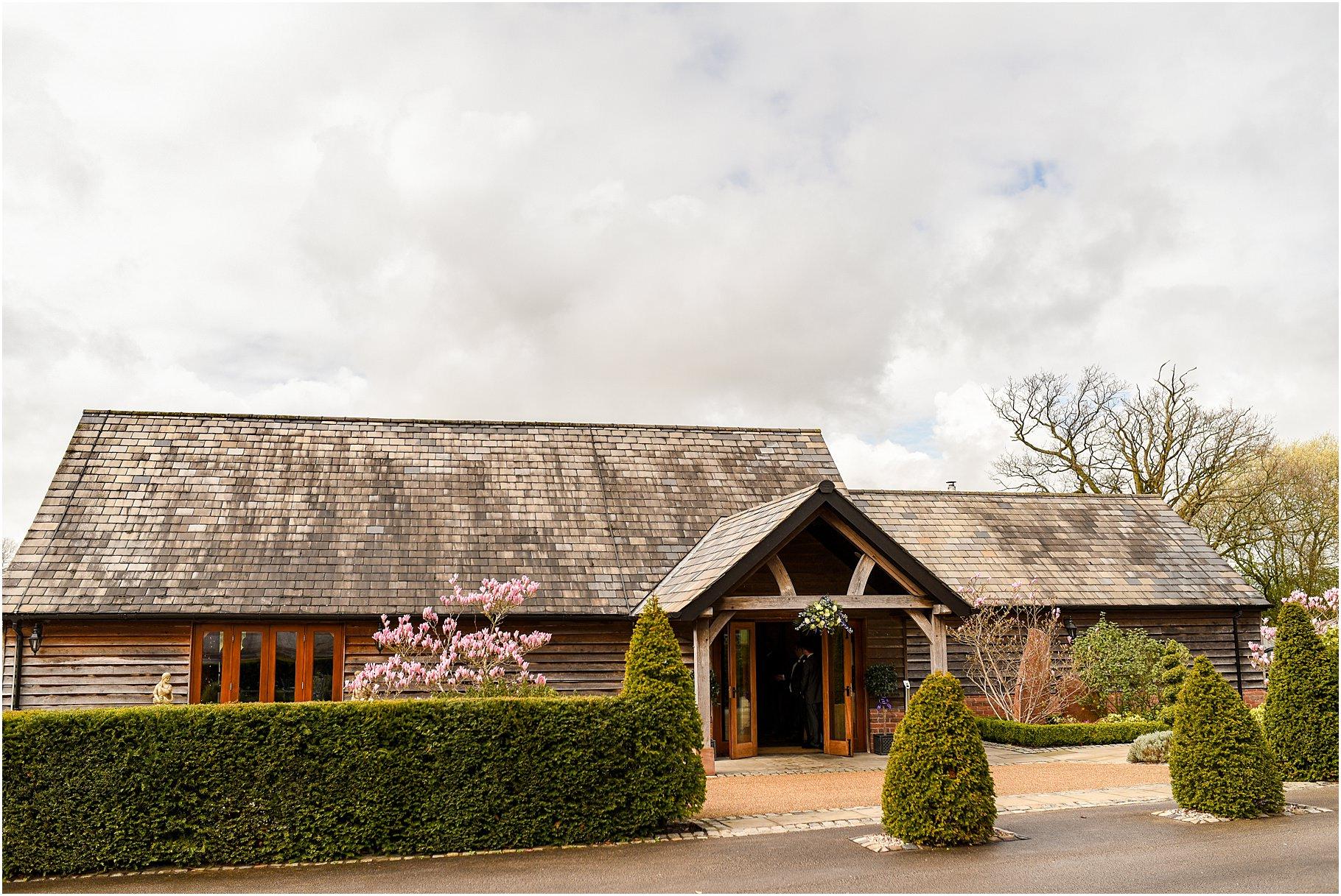 sandhole-oak-barn-wedding-002.jpg