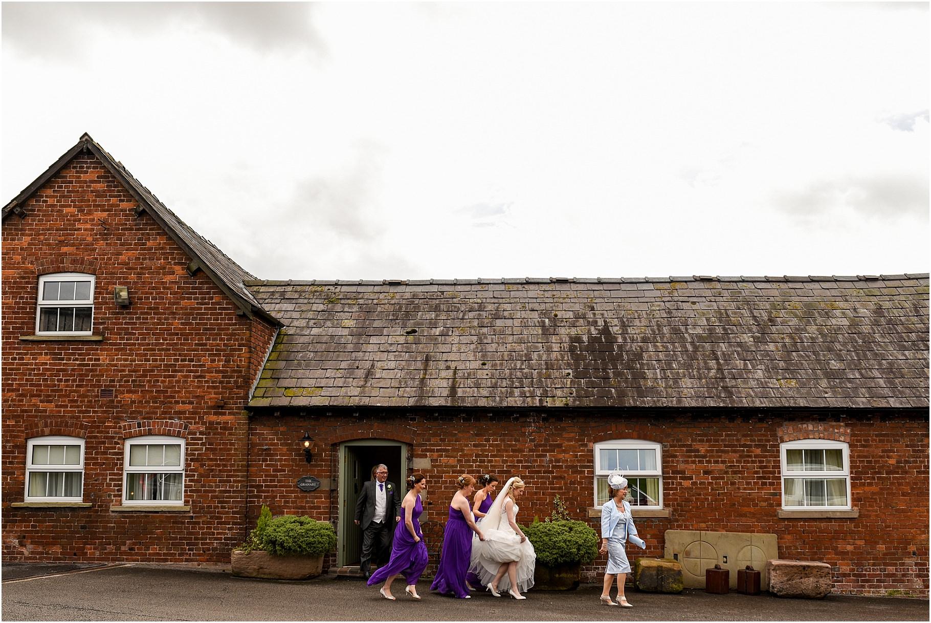 sandhole-oak-barn-wedding-029.jpg