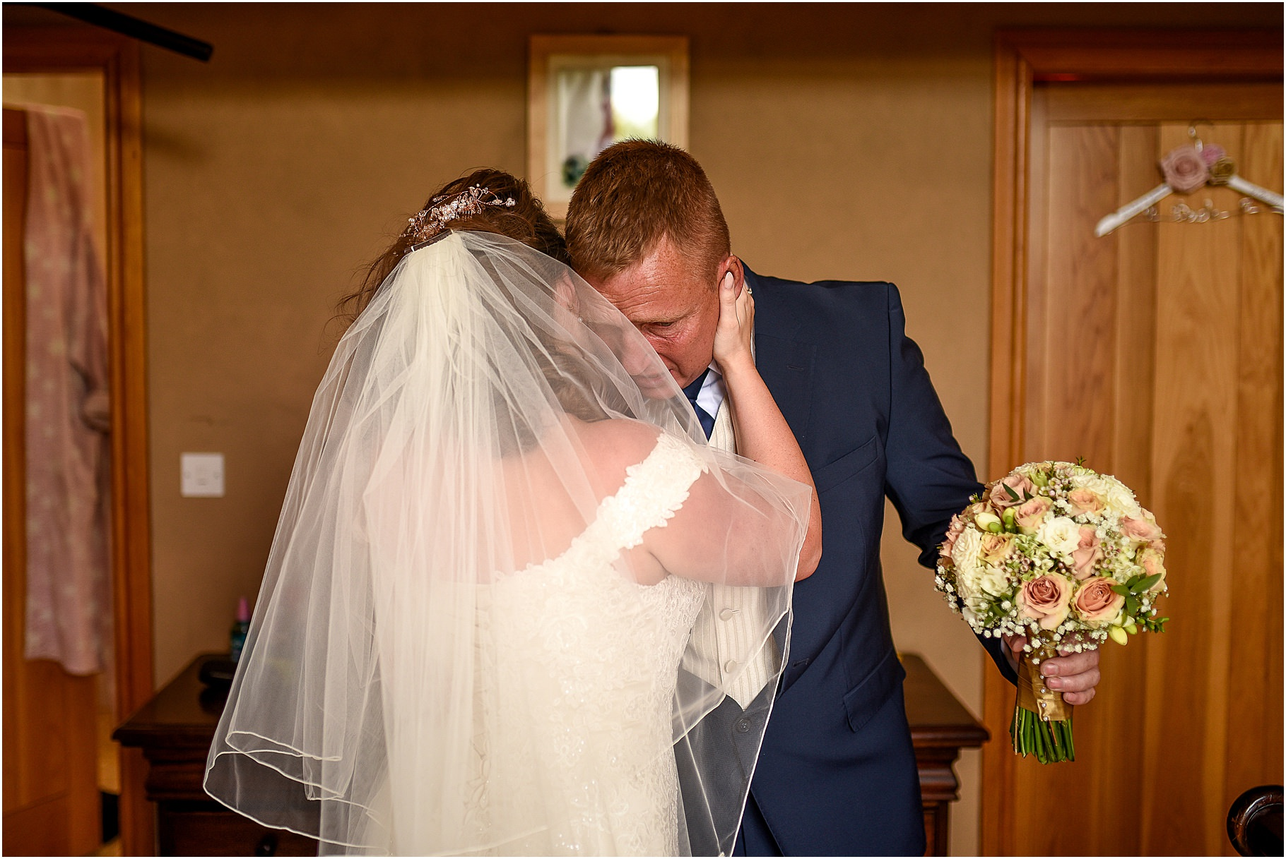 marquee-wedding-photography-029.jpg