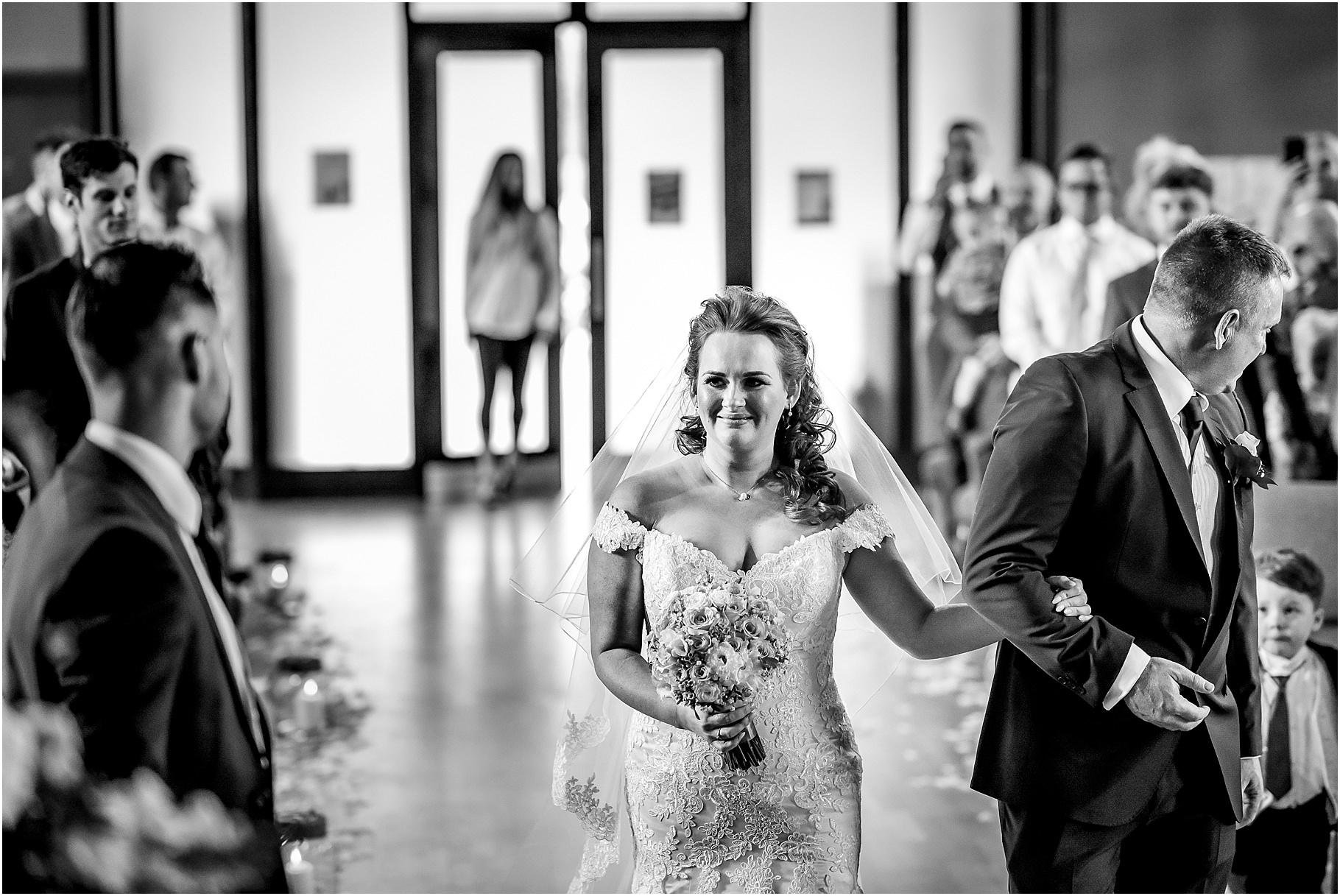 marquee-wedding-photography-035.jpg