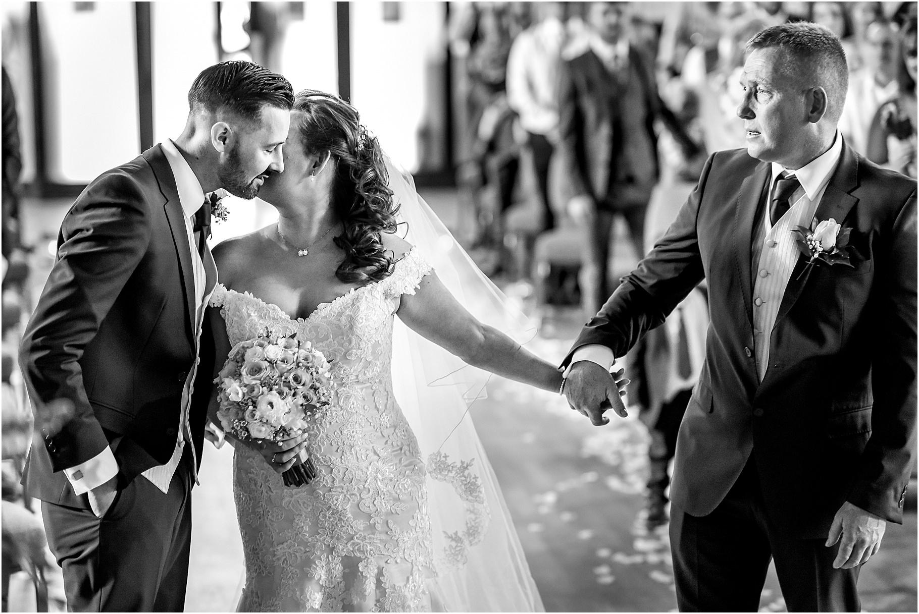 marquee-wedding-photography-036.jpg