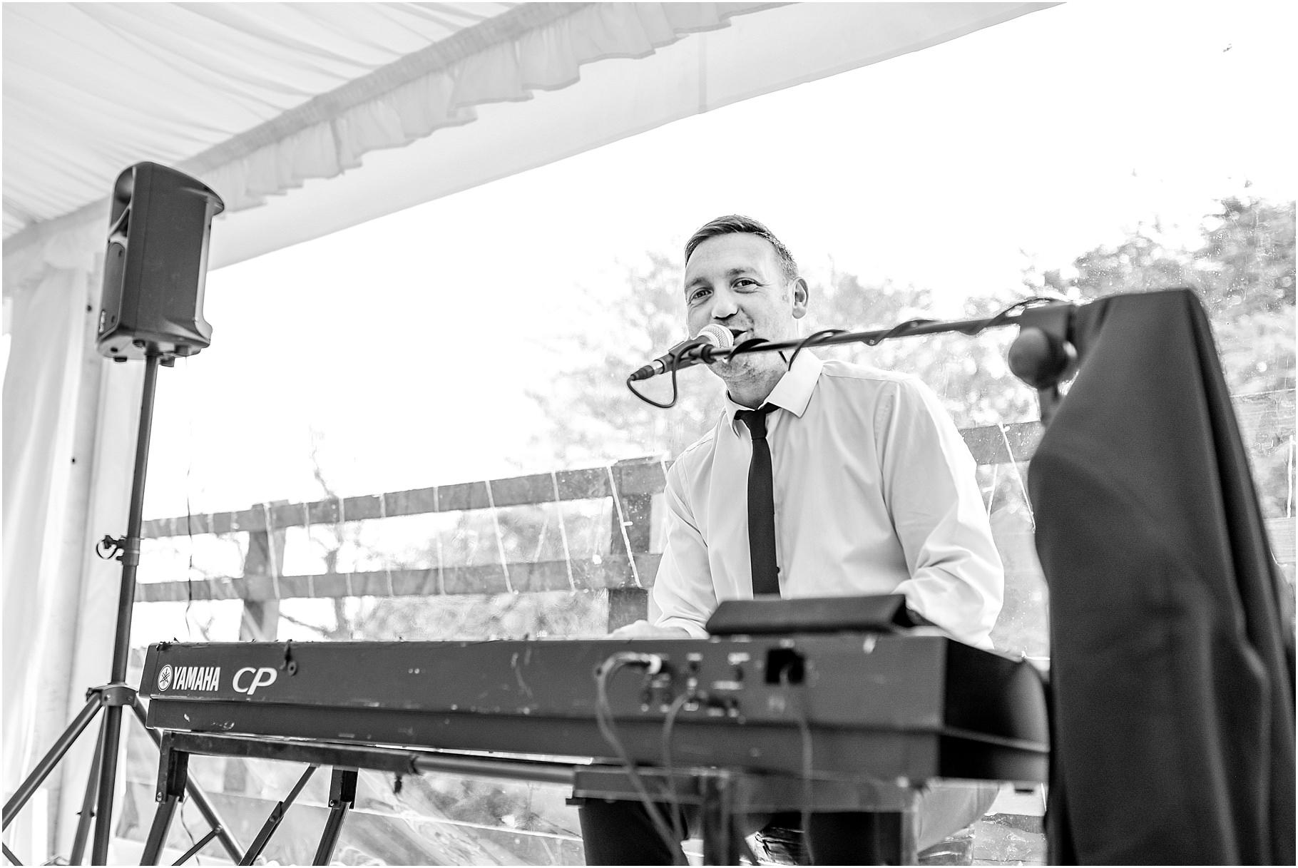 marquee-wedding-photography-061.jpg