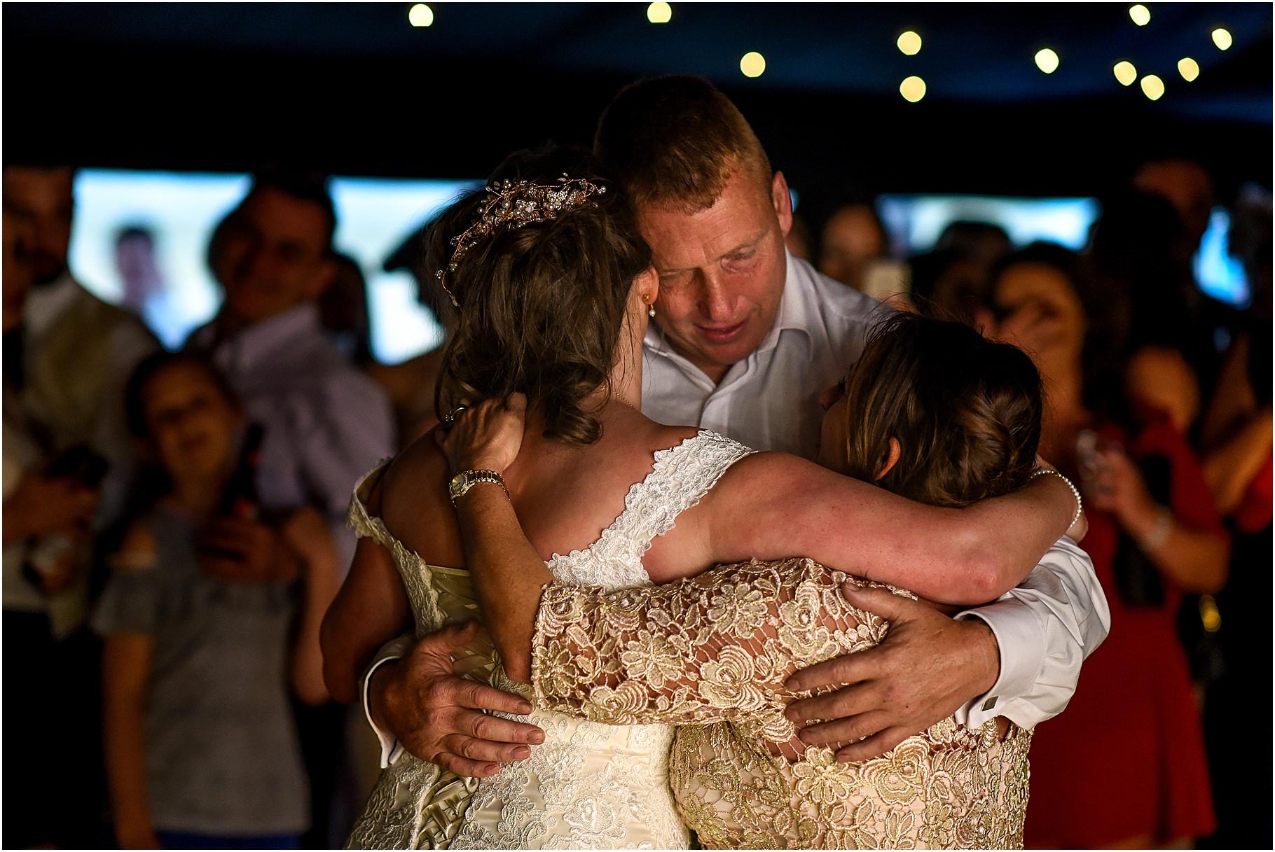 marquee-wedding-photography-120.jpg