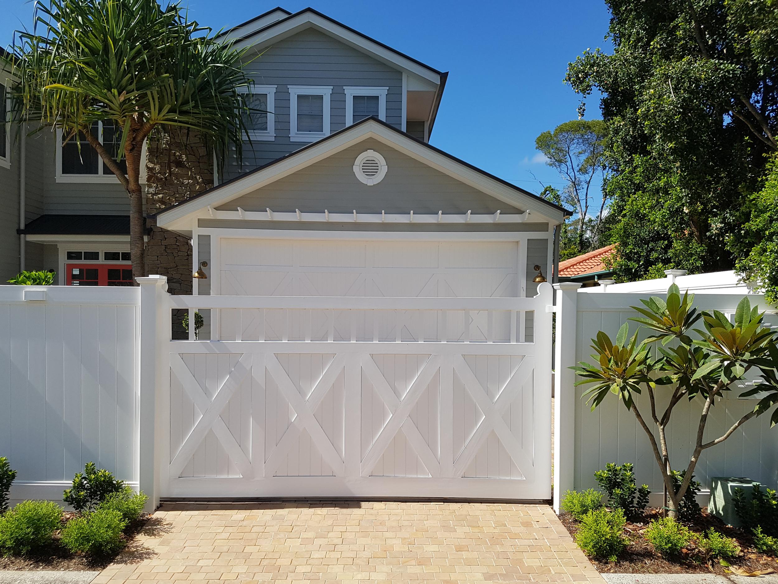 Hamptons Sectional Custom Door 2.png
