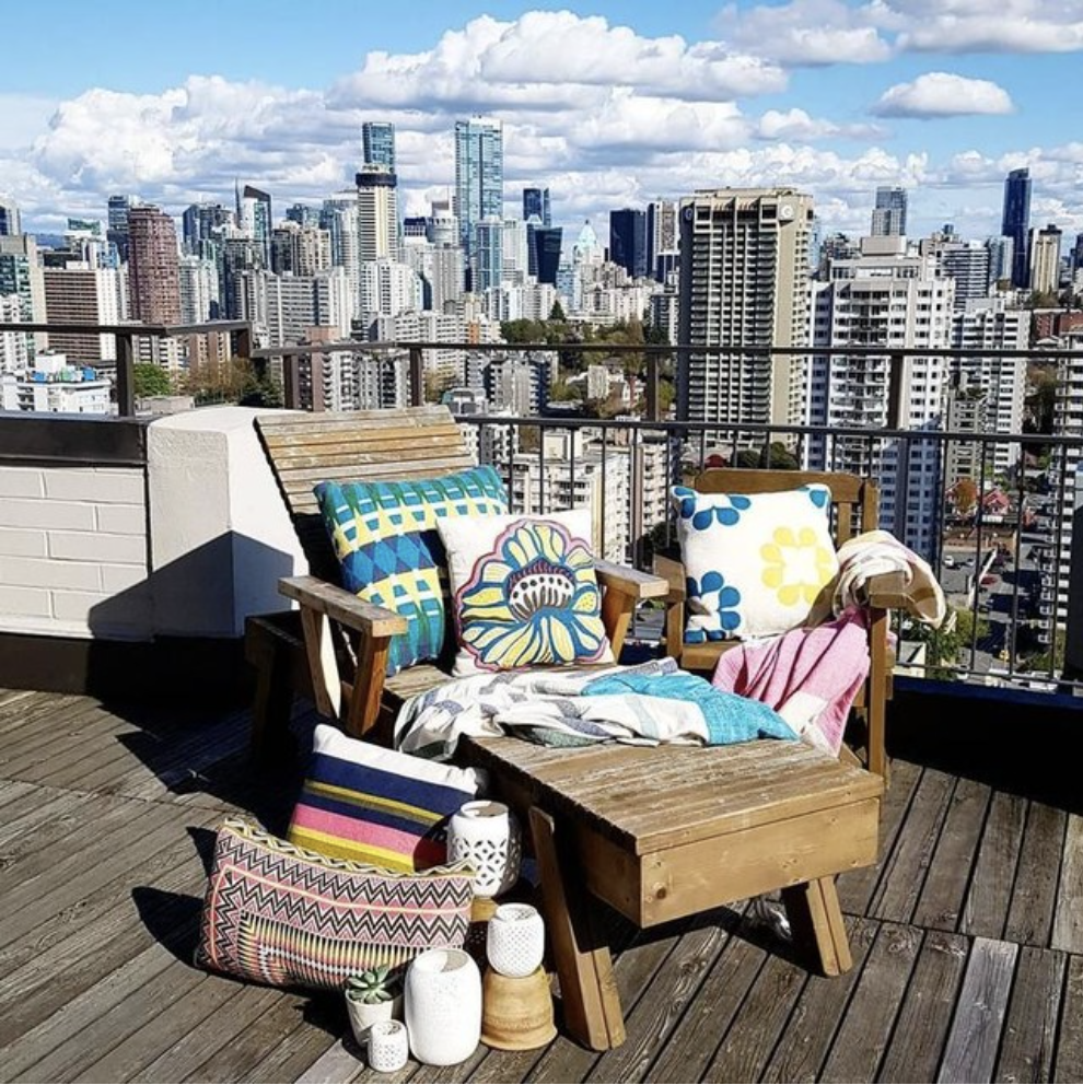 Top 7 Balcony & Terrace Decor Ideas For Your NYC Apartment