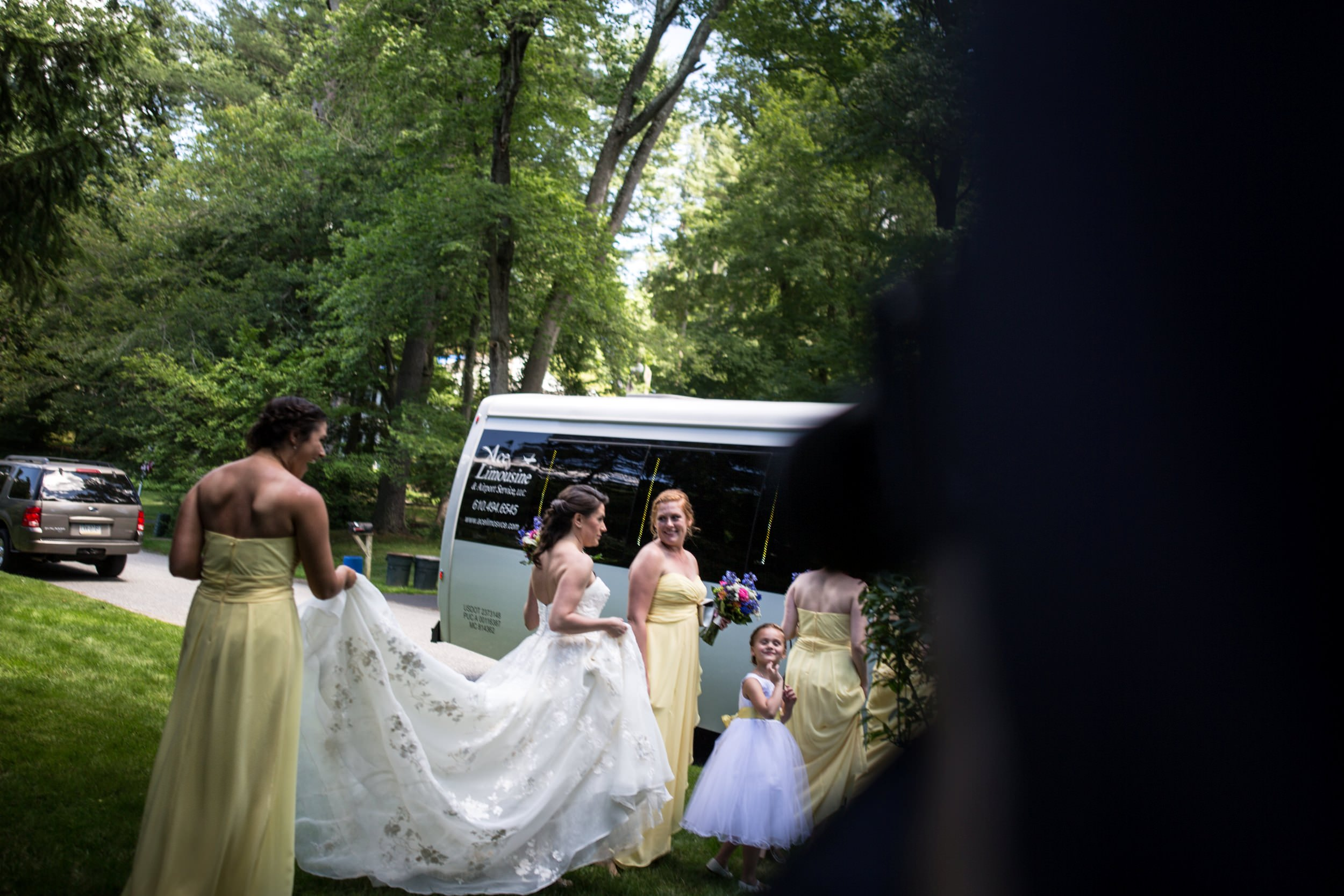 bride getting into her limo