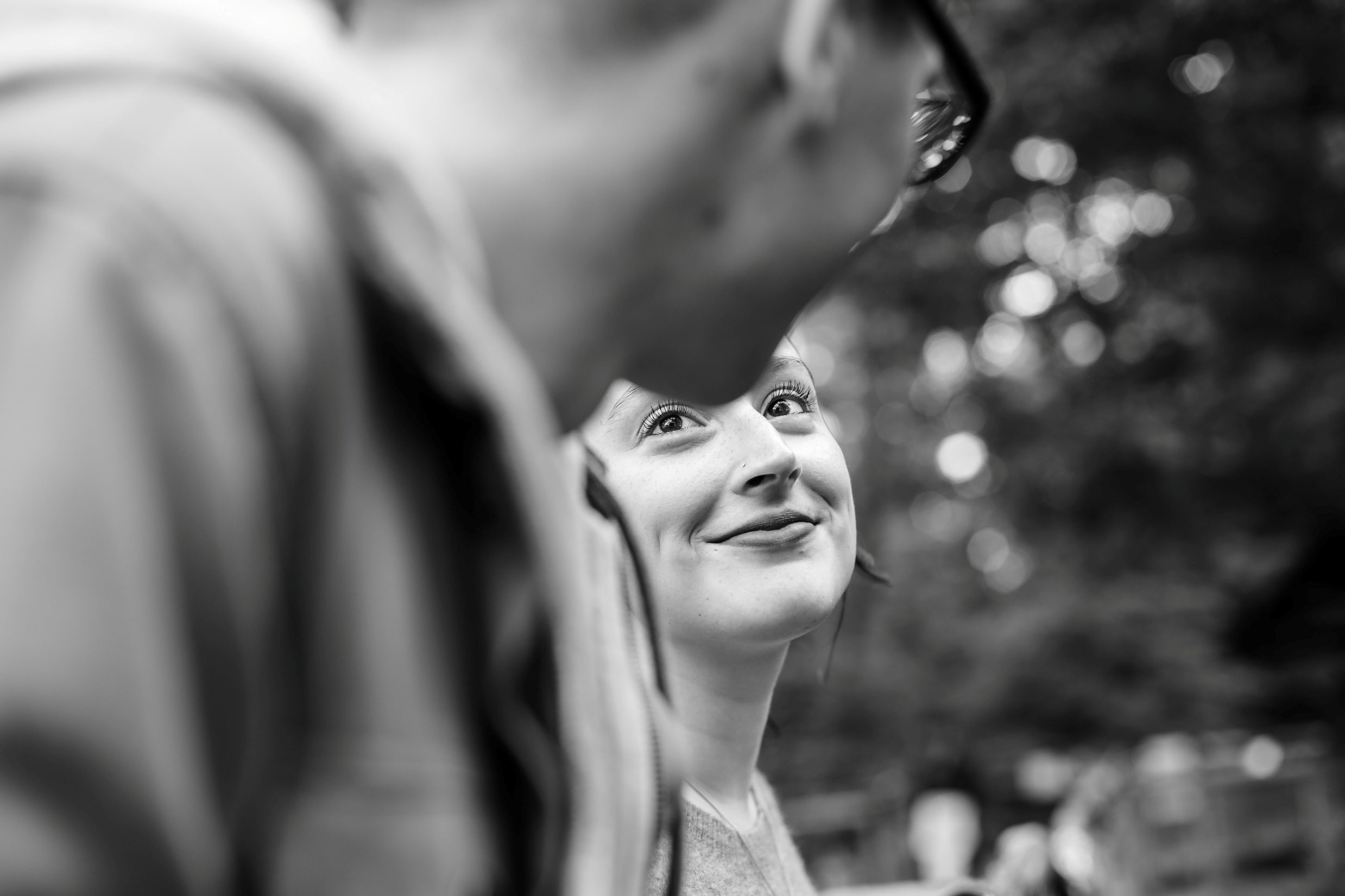 couple in love in morris arboretum