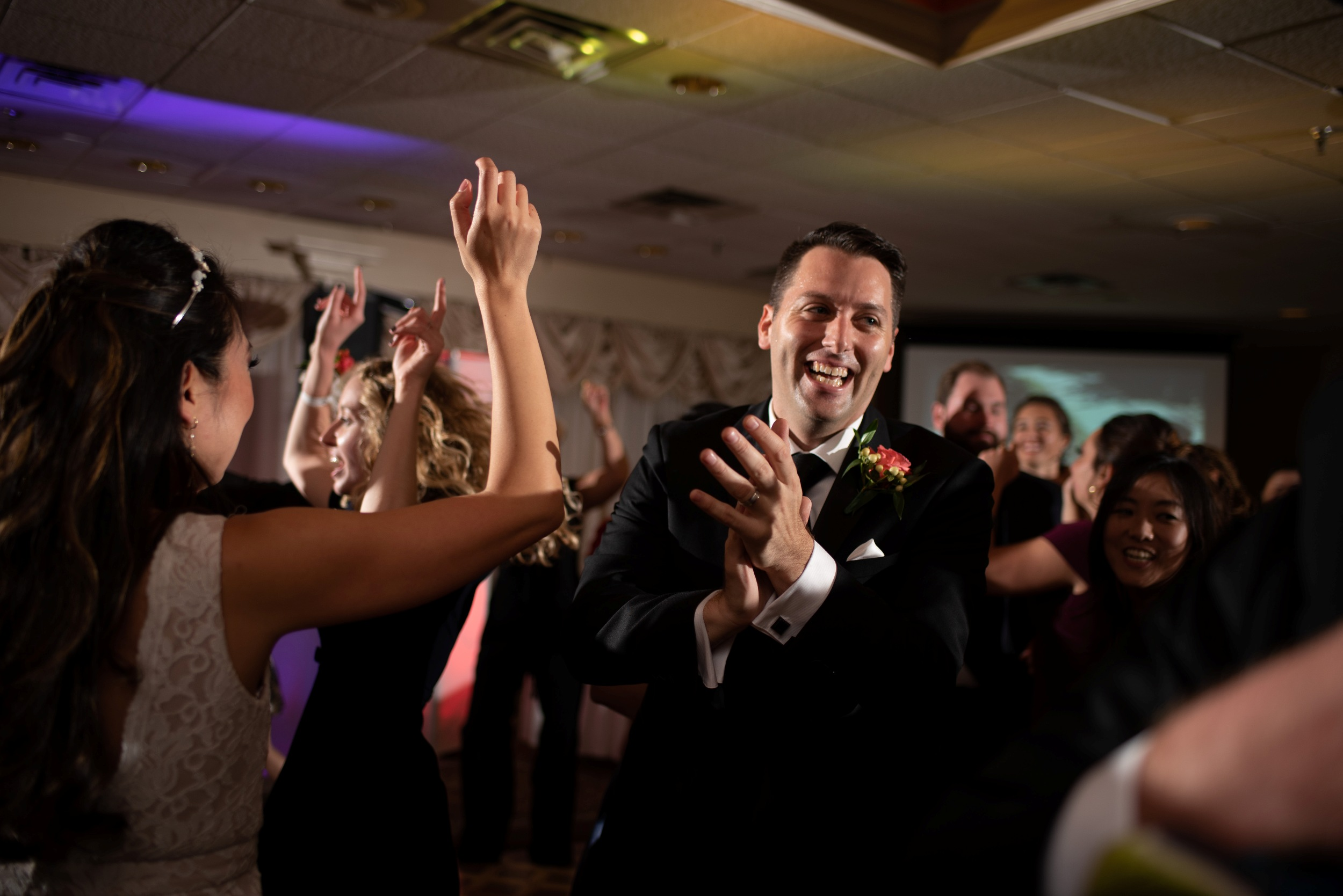 groom dance