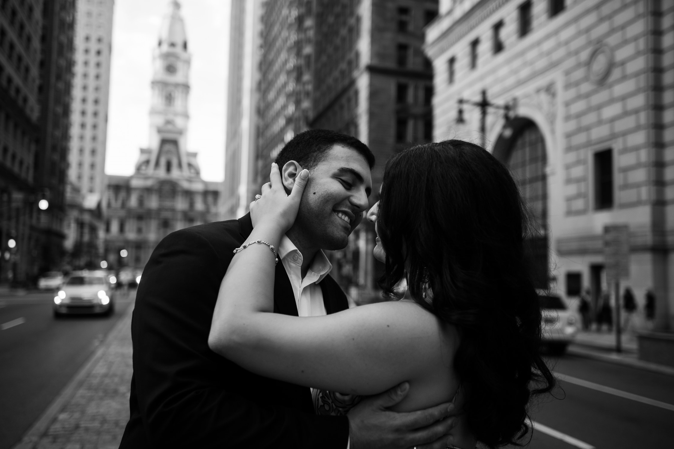 philly downtown engagement photos