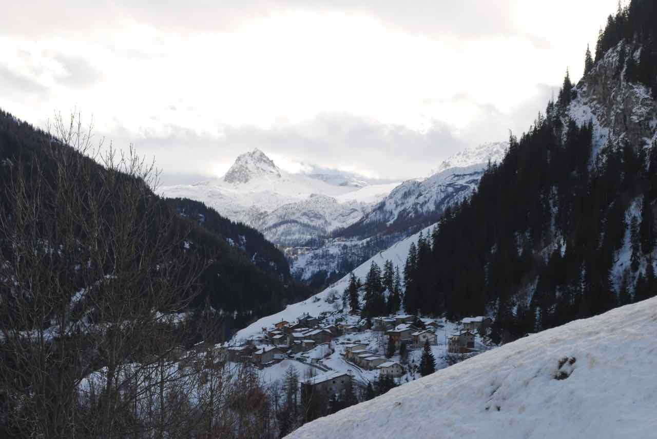 Looking towards Tignes and Val d'Isère from La Gurraz.