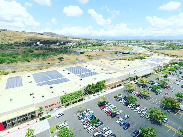The view of our work in Kapolei is amazing 🌞 for more information click the link in our bio 💻 #DahlElectricProjects