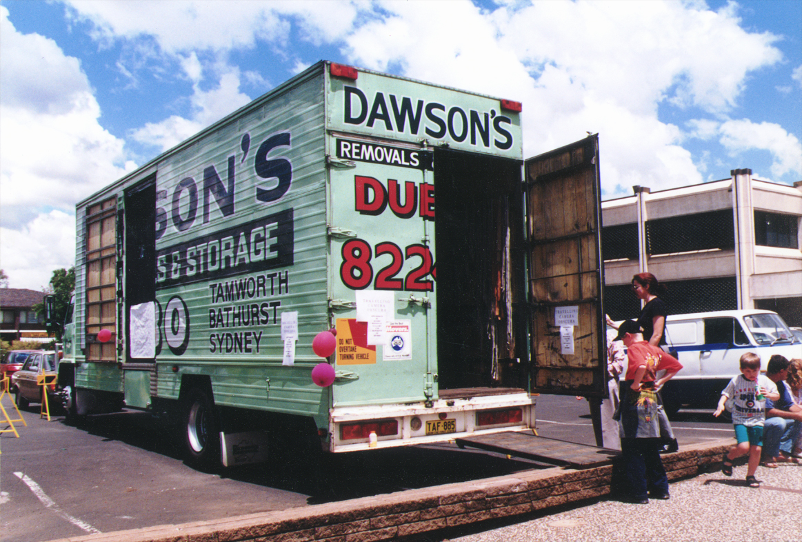 The Dubbo Removalist , 1995