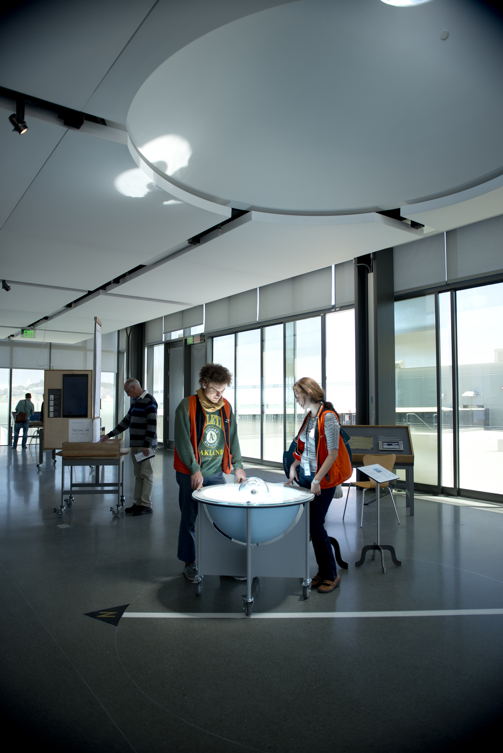 Oculus Table, with docents