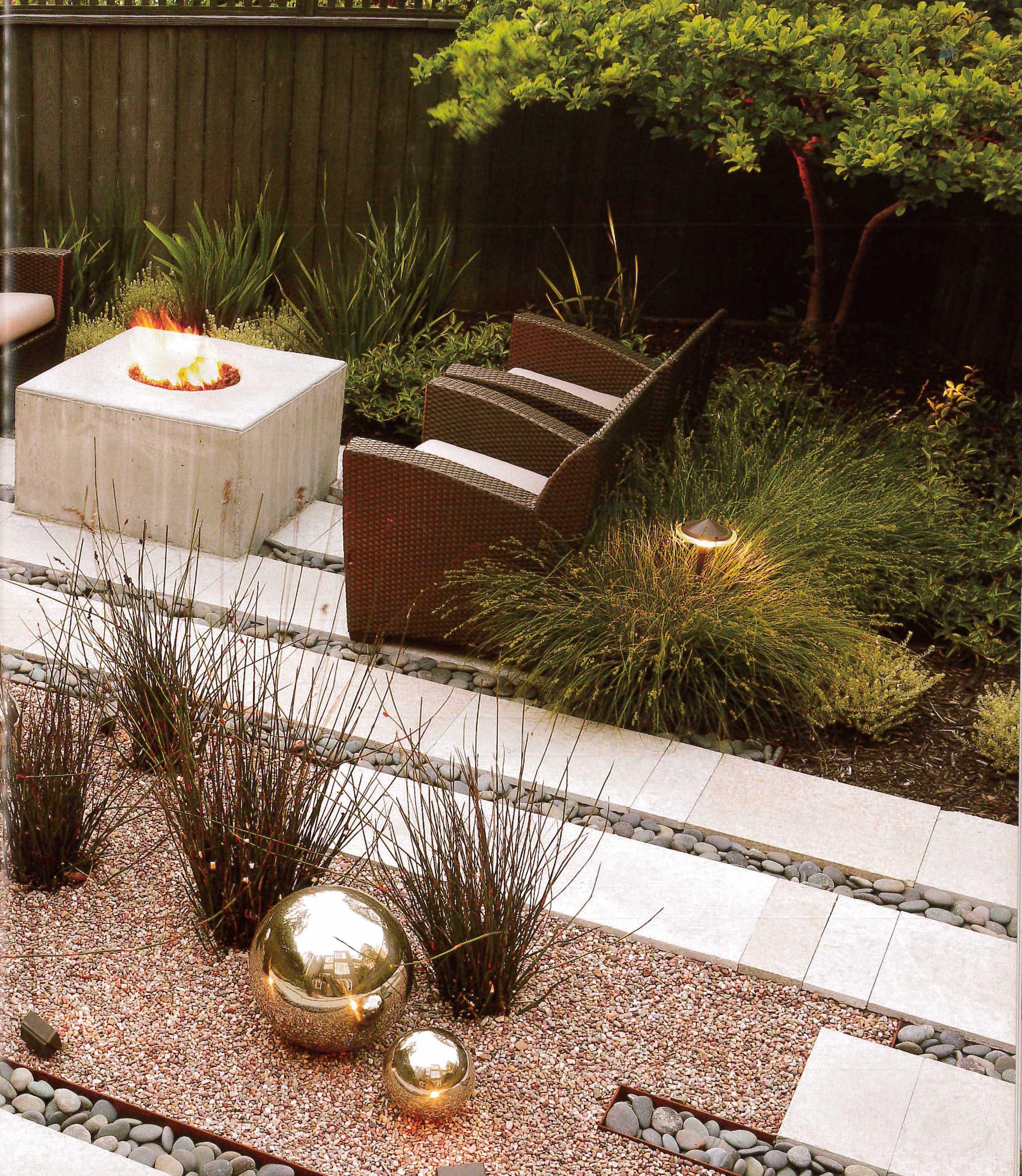 436c2-garden-within-walls_pg02.jpg