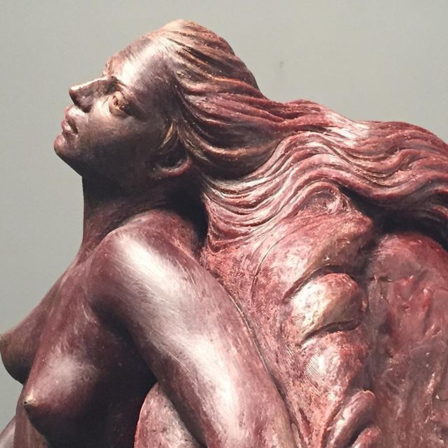 """Juno, referring to a concept of vital energy or """"fertile time"""".The iuvenis is she who has the fullness of vital force. #sculptor #classic  #instagrampost #artgallery #figurativeart #sculpture"""