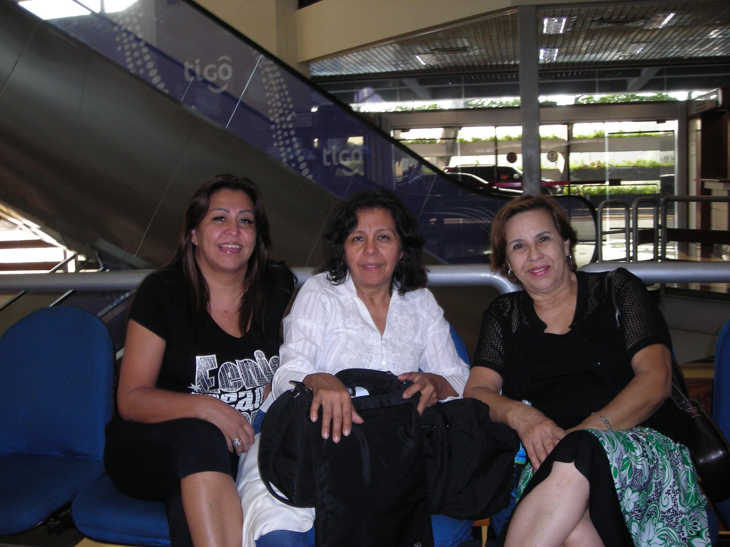 Mrs. Nunila Jimenez, Mrs. Felisa De Kler and Ms. Oliva Riva chatting as we said good bye and thanked Ms. Riva for her efforts of March 22-28, 2009