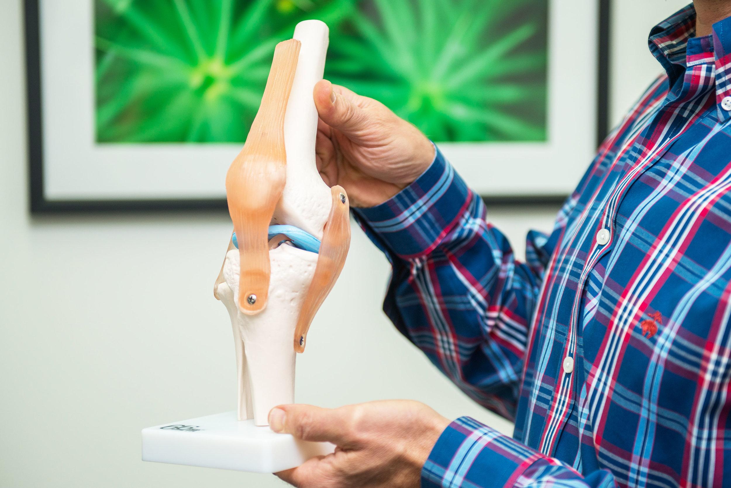 Knee-Arthritis-Pain-Prop-Landscape.jpg