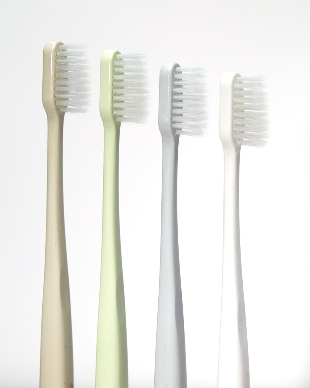 Toothbrushes_004.jpg