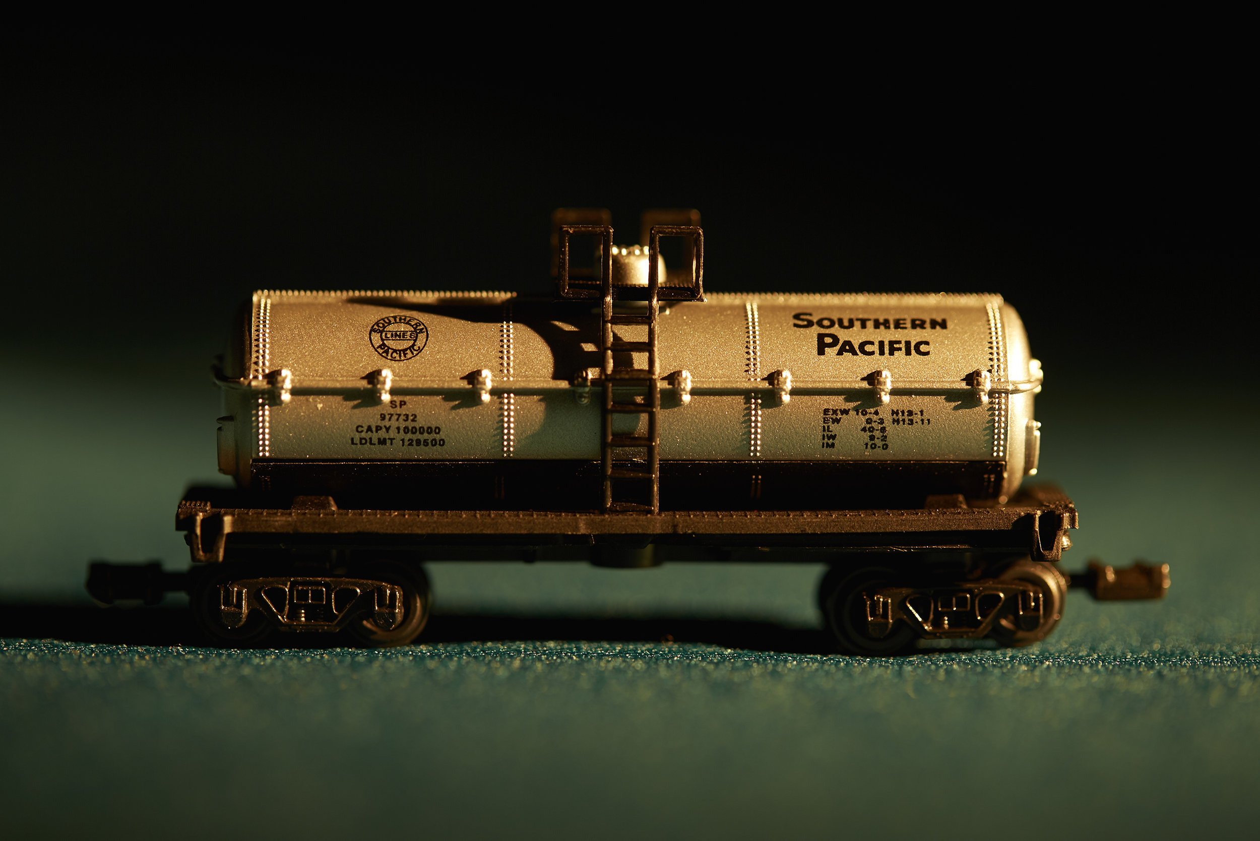 Uncle Bobby's toy train_001.jpg