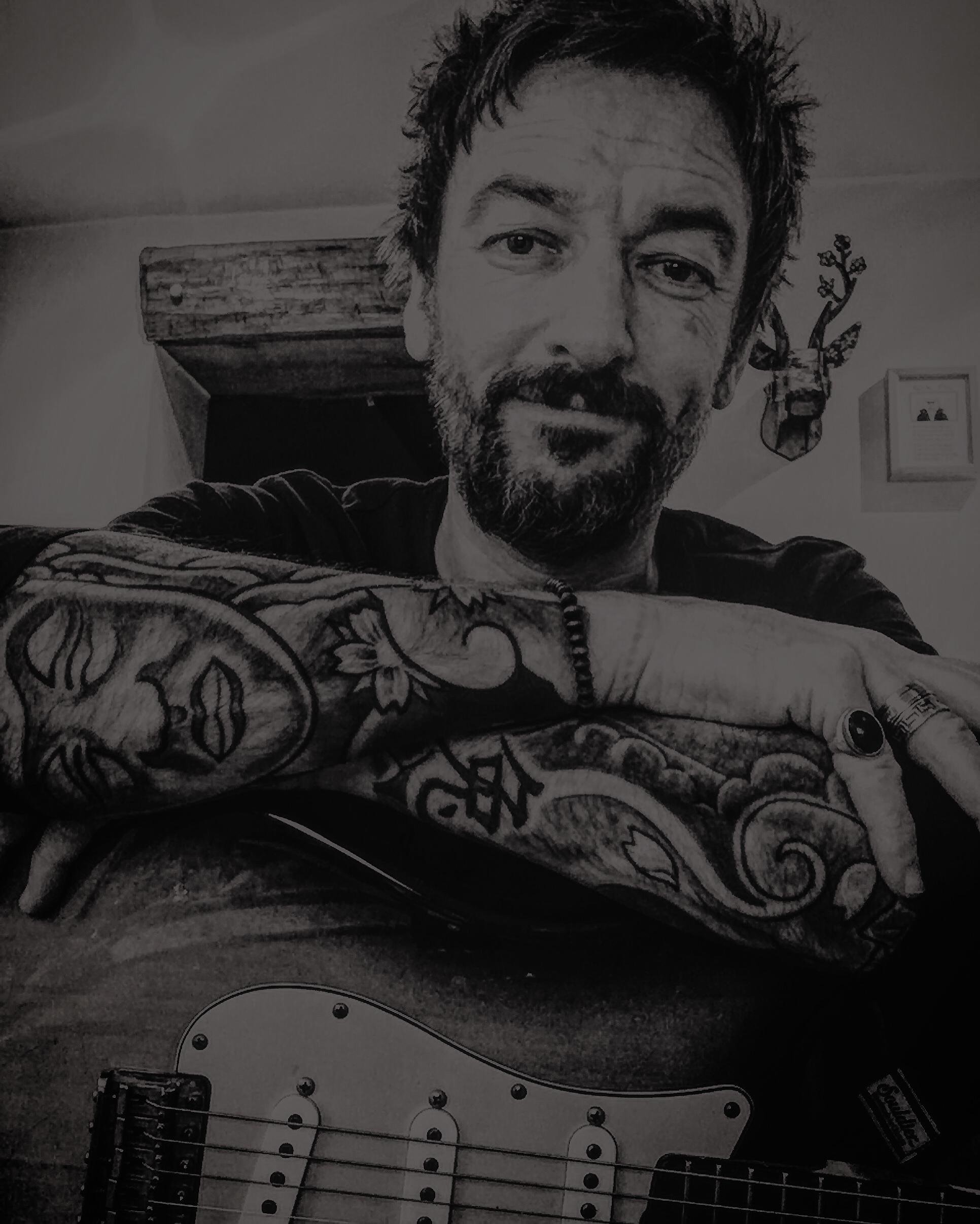 PAULCONNOP_Guitarist_9.png