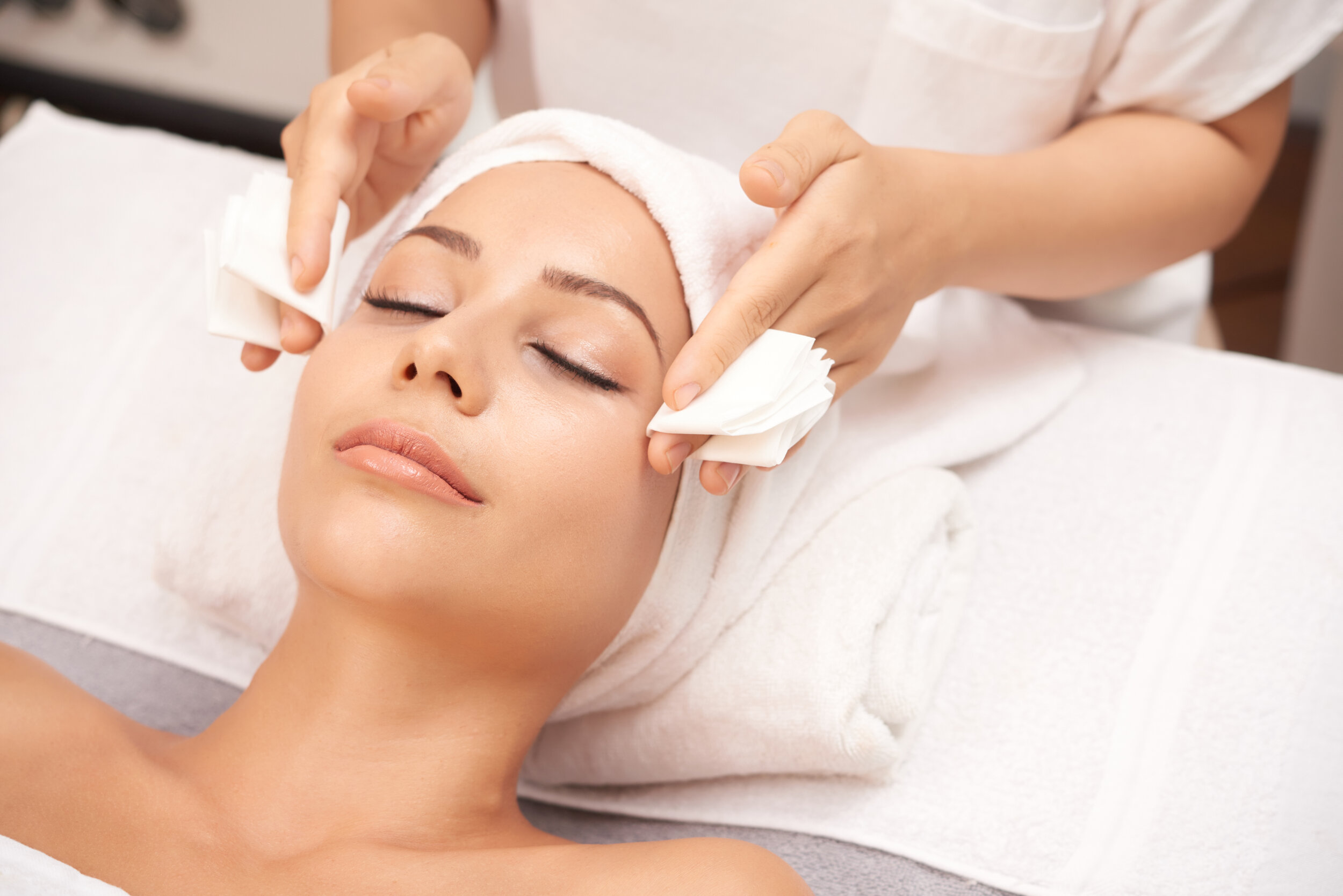 Beauty Services - We offer a variety of professional waxing services, eyebrow tinting, soothing facials, and product consultations in our modern salon.