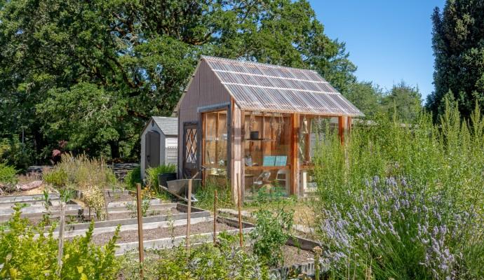 Forest Halls Community Garden