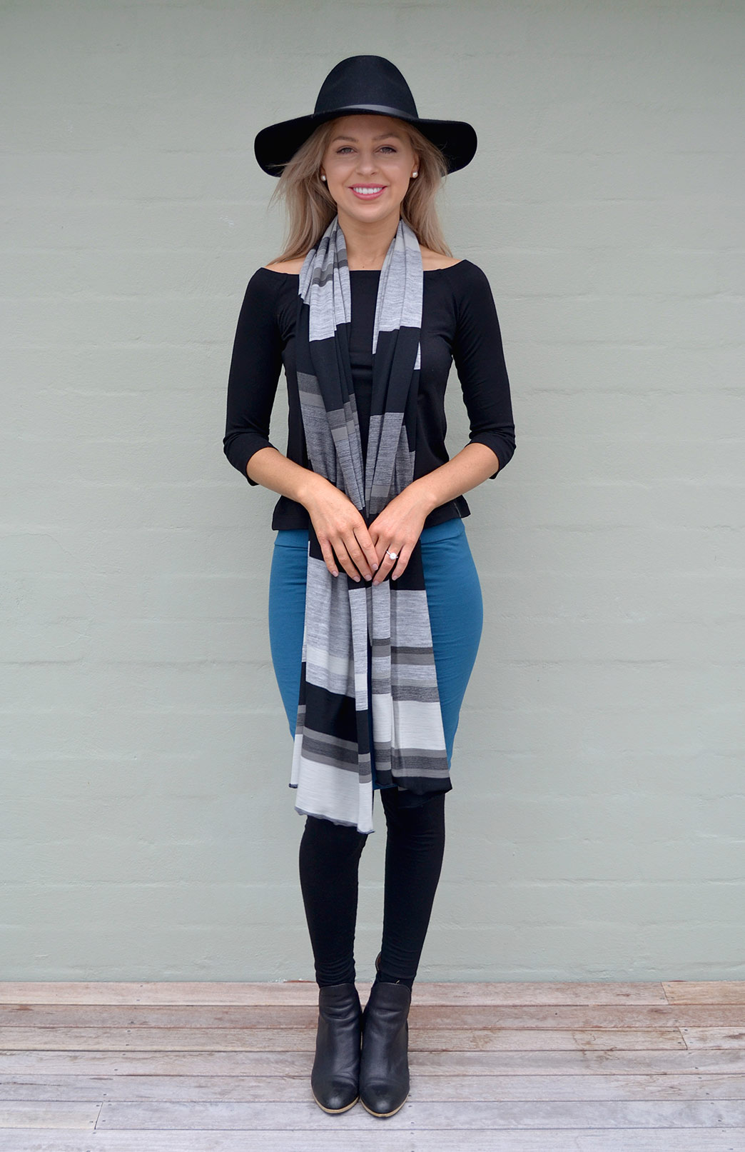 8404-wide-merino-scarf-black-multi-new-0.jpg