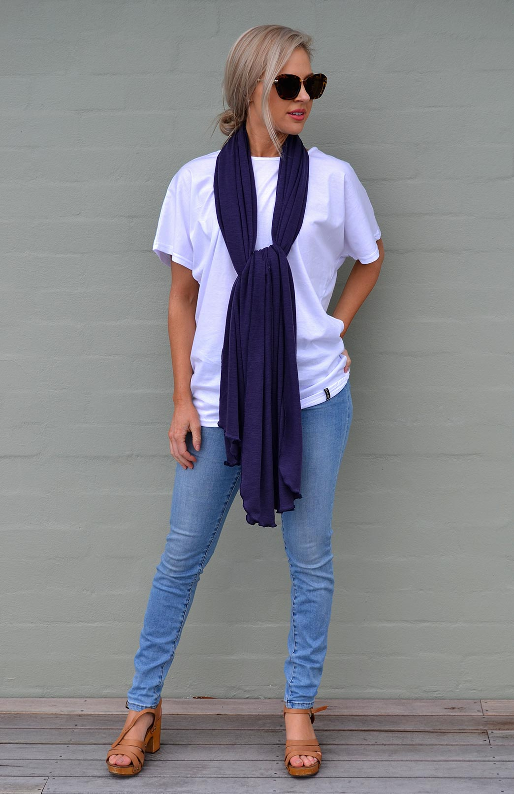 8404-wide-merino-scarf-grape.jpg