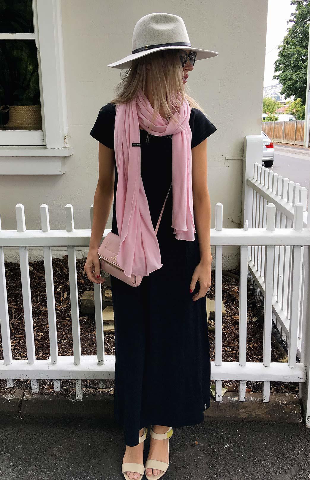 8404-wide-merino-scarf-blossom-pink-1.jpg
