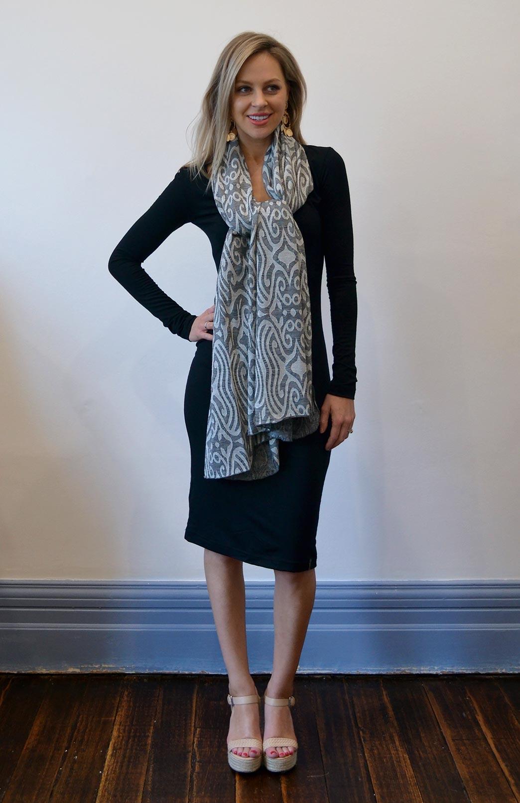 8404-wide-merino-scarf-light-inca-01-new.jpg