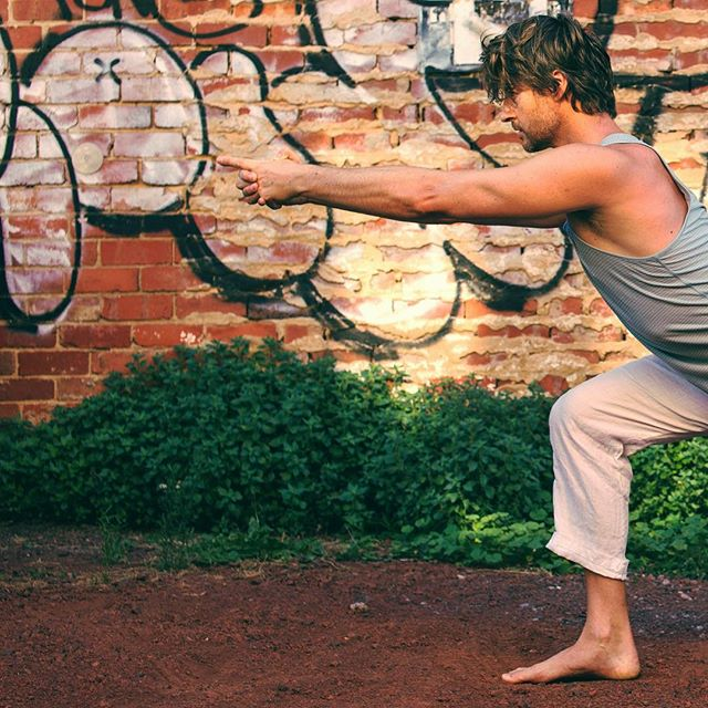 Full Moon in Virgo - Time to reset and organise. Let go of all that no longer serves you ... Classic Flow 5.15pm Yin 7.45pm every Tuesday @grassrootsyoga St Kilda 📸 @nickelisseos