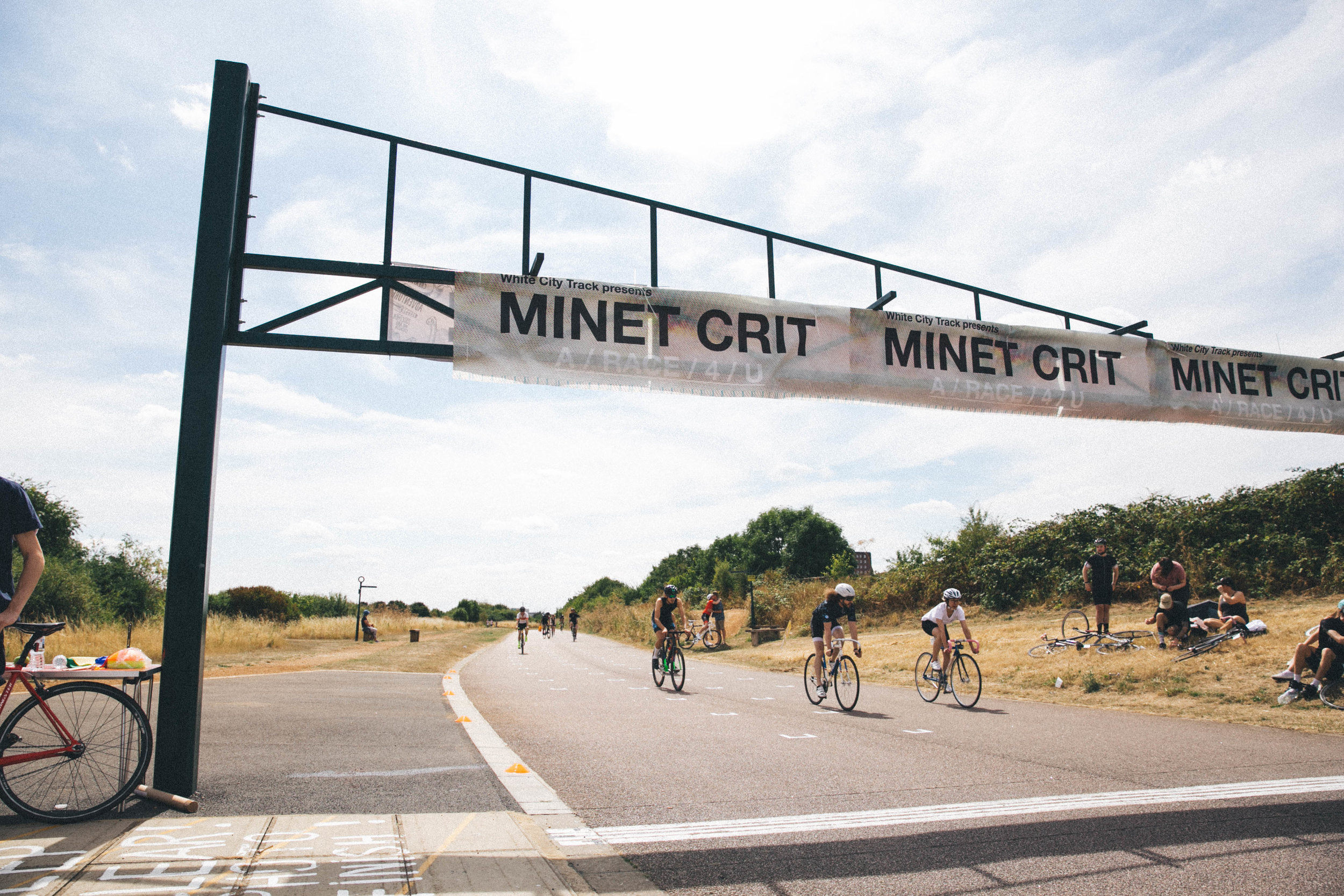 Minet Crit Start Line