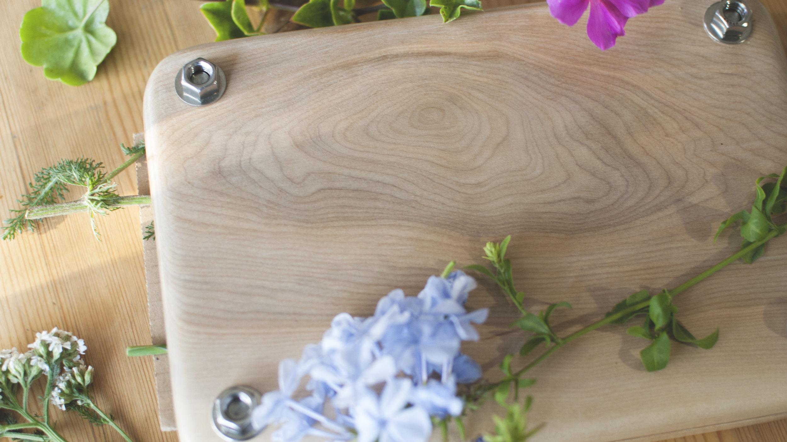 plant press wood grain detail