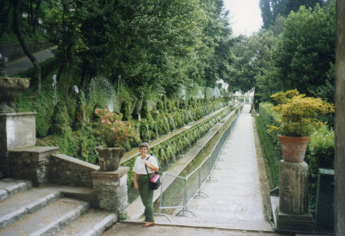 Hundred fountains alley -